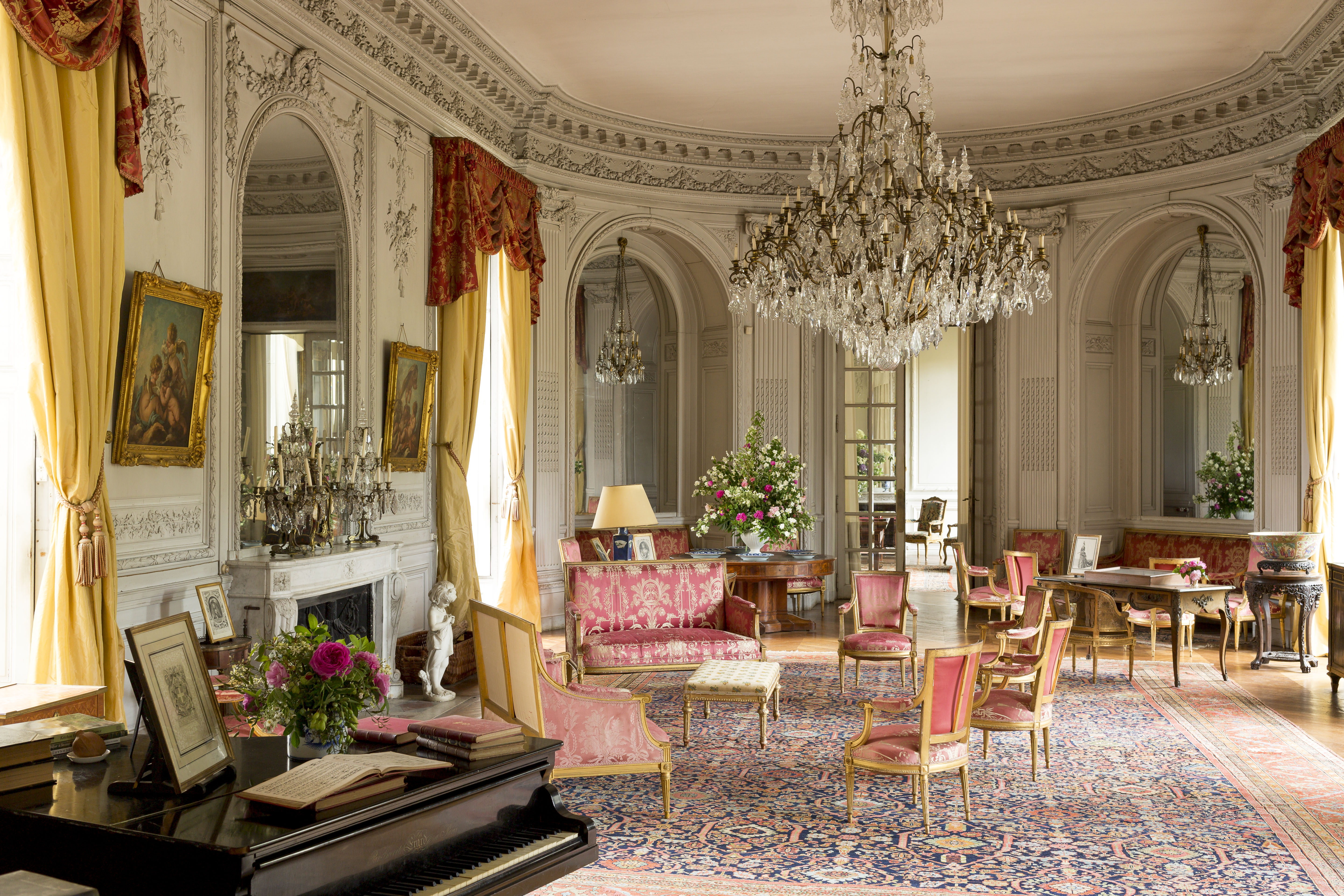 FRENCH CHÂTEAU LIVING| The French Life